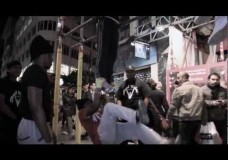 Motivation – Youths Go Hard In a Bar Workout In Central London (Oxford Circus)